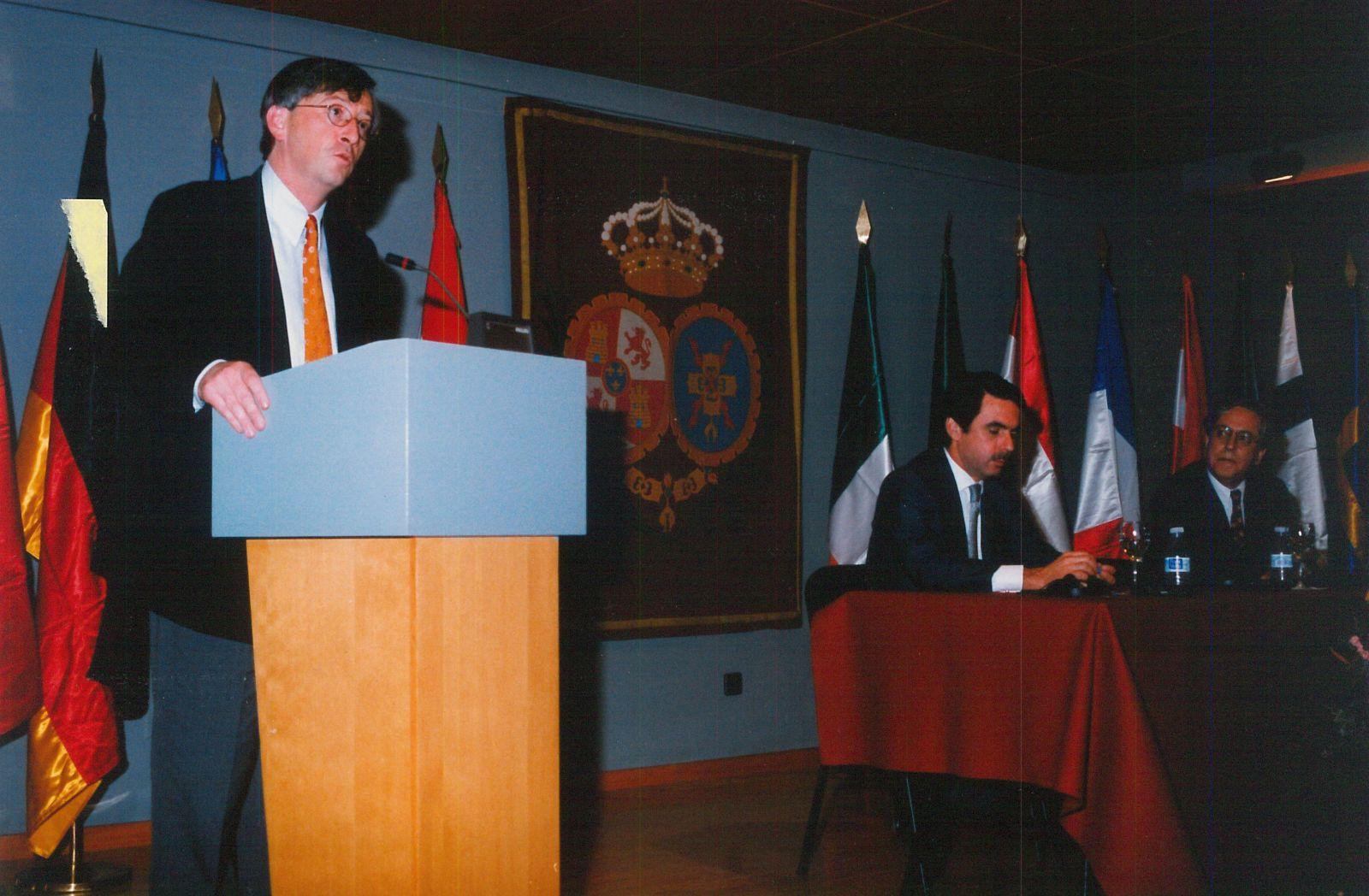 IX Carlos de Amberes Commemorative Lecture