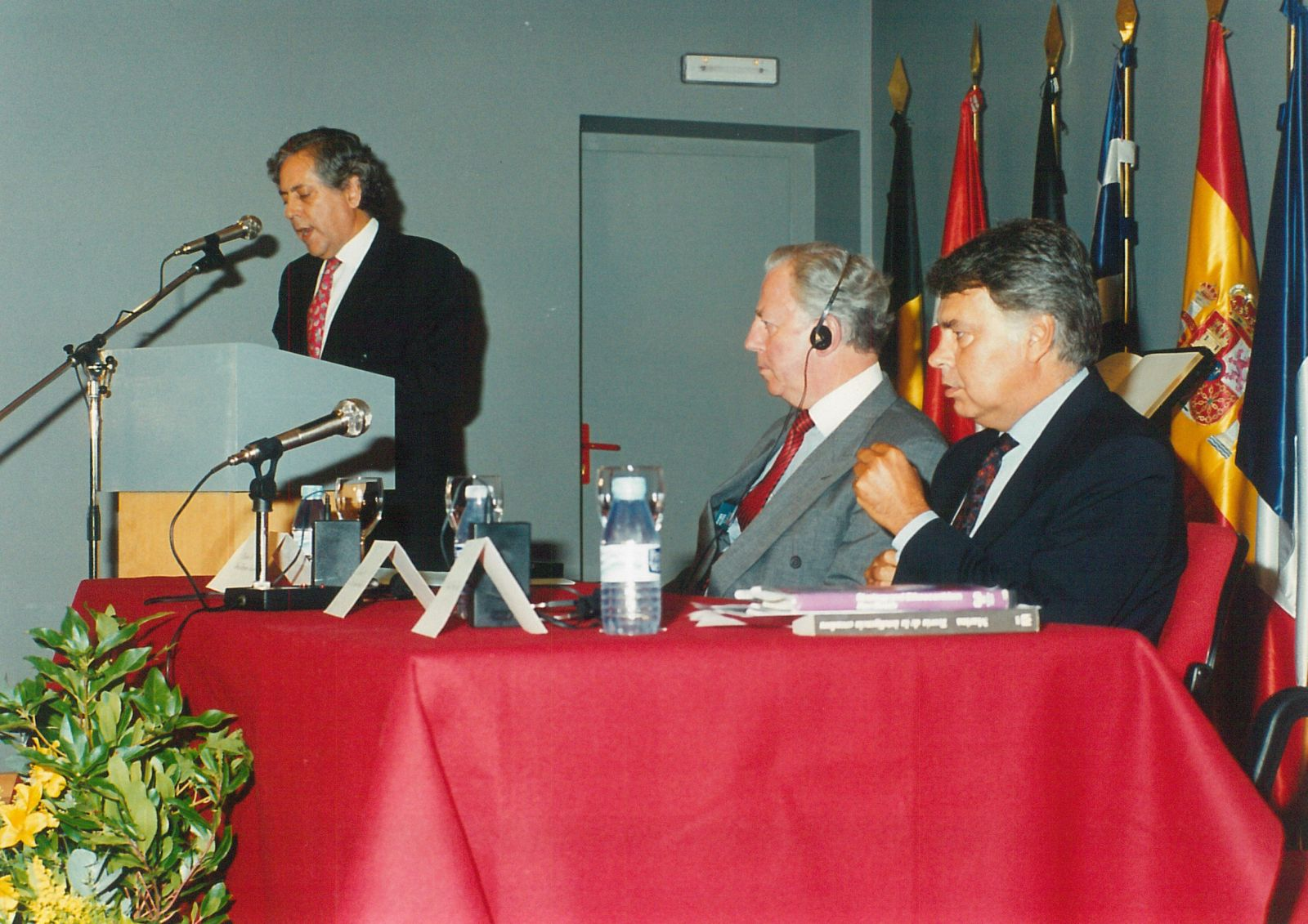 VI Carlos de Amberes Commemorative Lecture