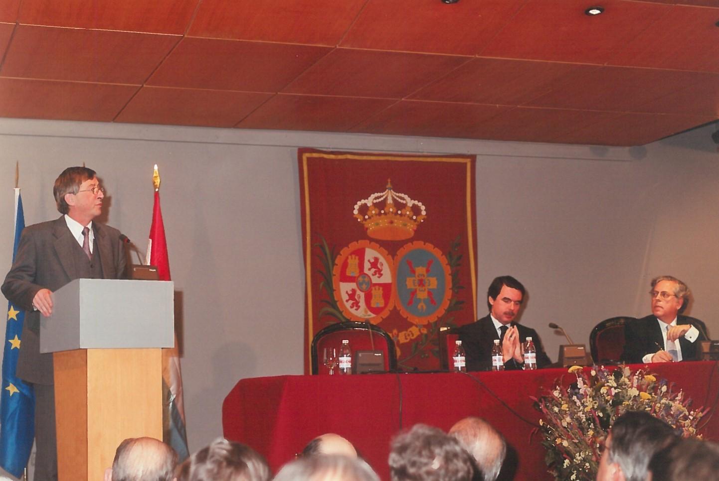 XI Carlos de Amberes Commemorative Lecture